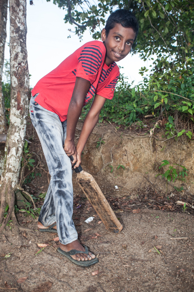 homemade cricket bats dilly dissanayake